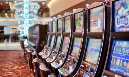 Hvorfor er det så sjovt at spille på online spilleautomater?